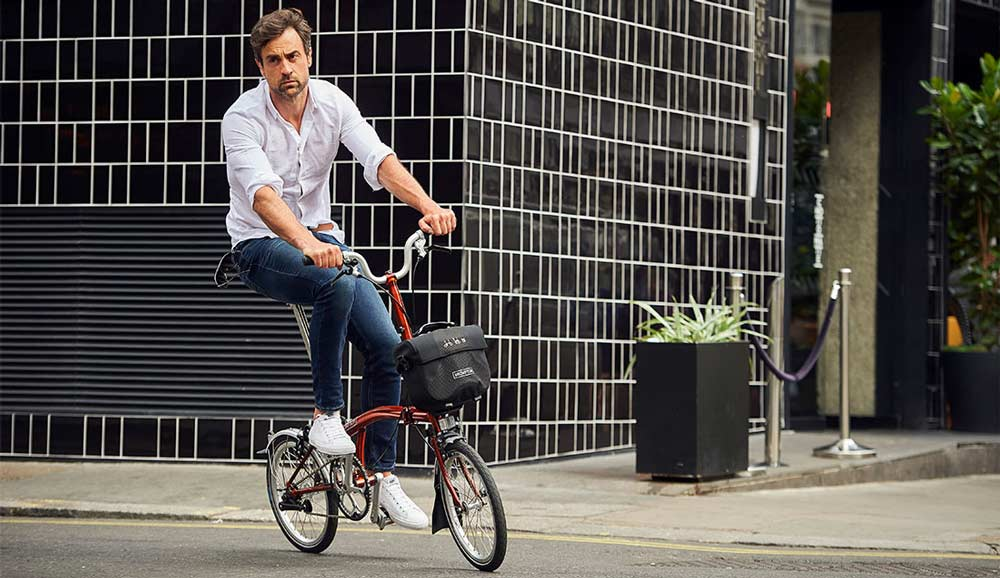 Brompton-ebike-for-city-riding