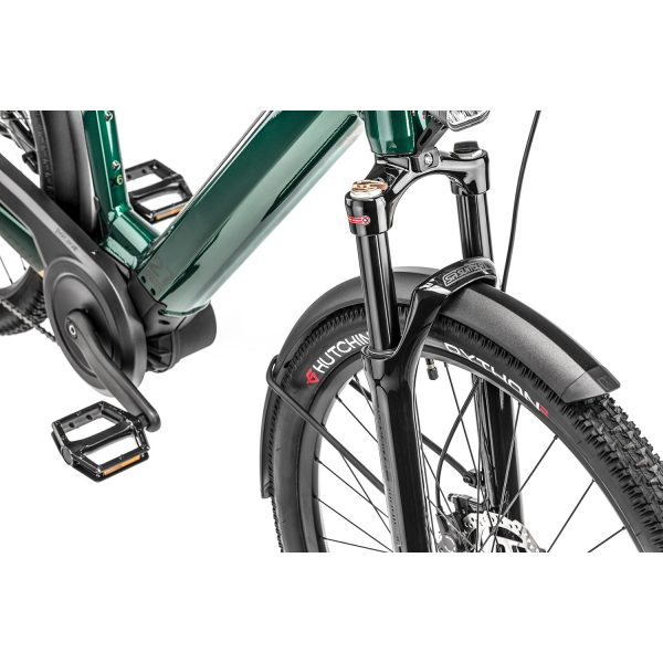 detail image showing long travel front suspension fork and dual wall aluminium mudguard on moustache xroad 5